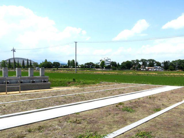 徳成寺西墓地